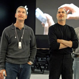 steve-jobs-with-tim-cook1